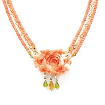 愛らしいピンク色のフラワー珊瑚ネックレス