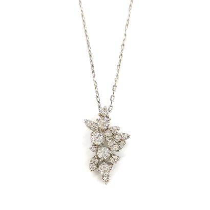 メレダイヤを集めてデザインを作ったネックレス